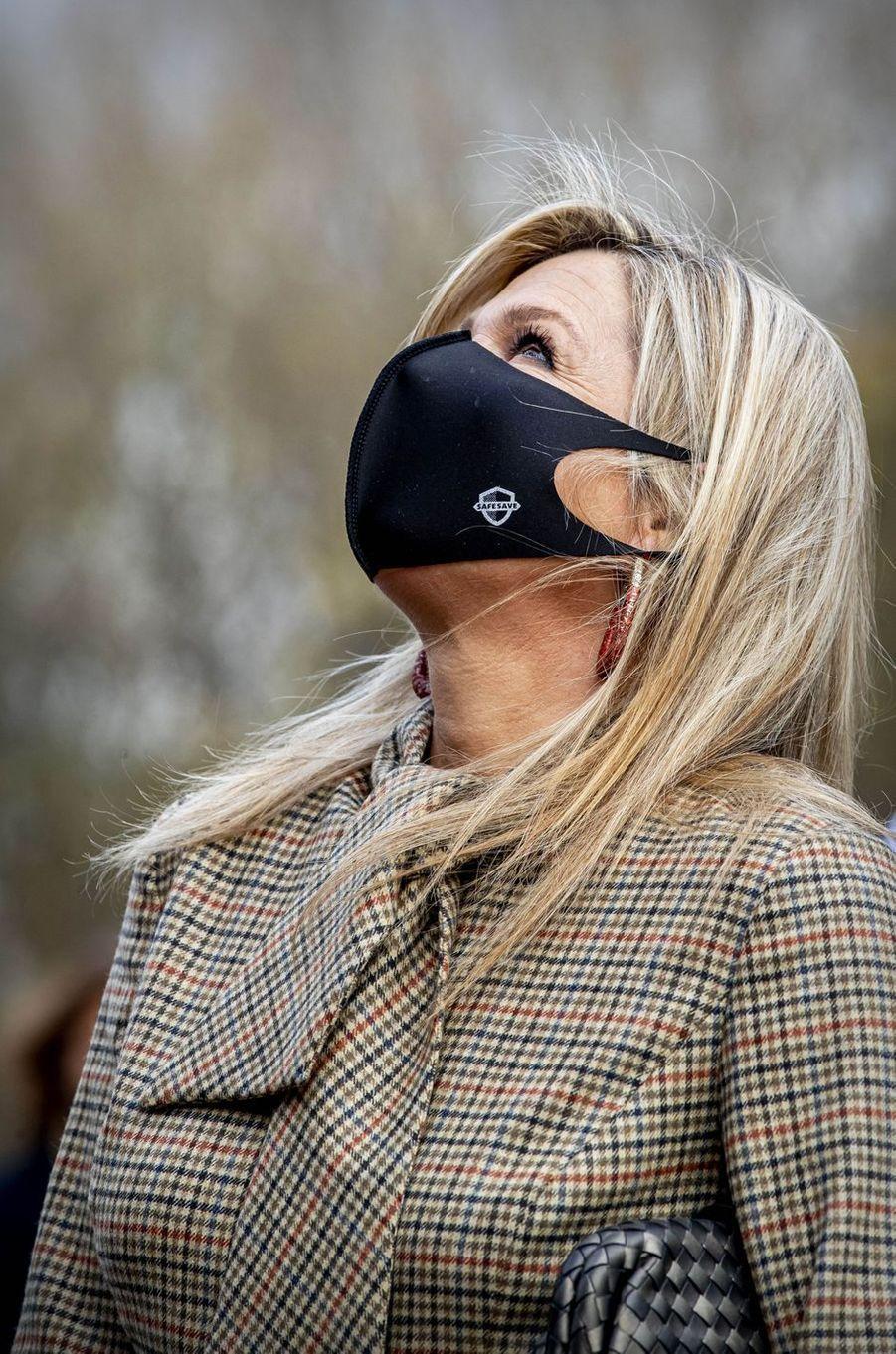 Le masque de la reine Maxima des Pays-Bas à Amsterdam, le 5 novembre 2020