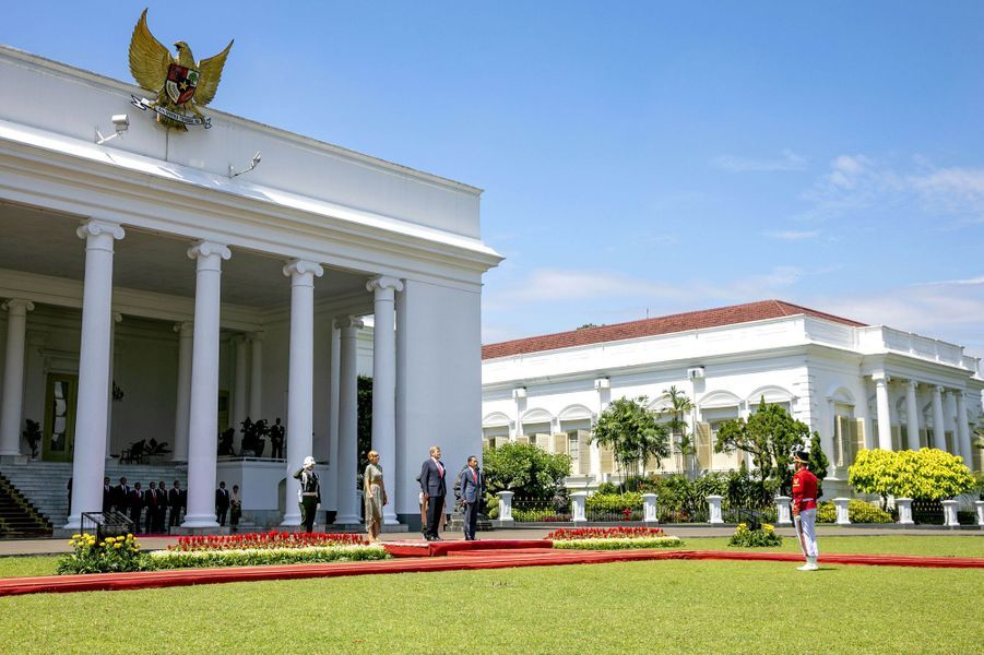 La reine Maxima et le roi Willem-Alexander des Pays-Bas avec le président indonésien Joko Widodo et sa femme Iriana à Jakarta, le 10 mars 2020