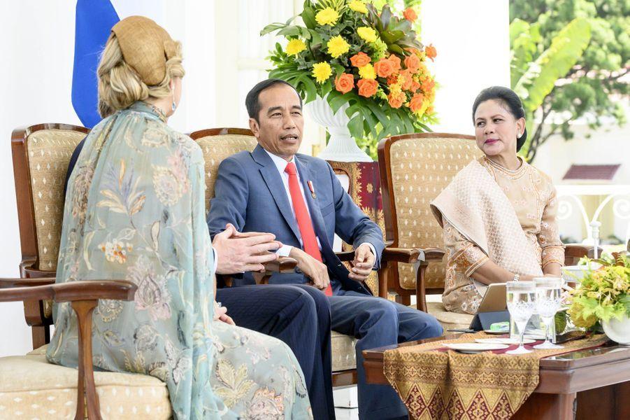 La reine Maxima des Pays-Bas avec le président indonésien Joko Widodo et sa femme Iriana à Jakarta, le 10 mars 2020