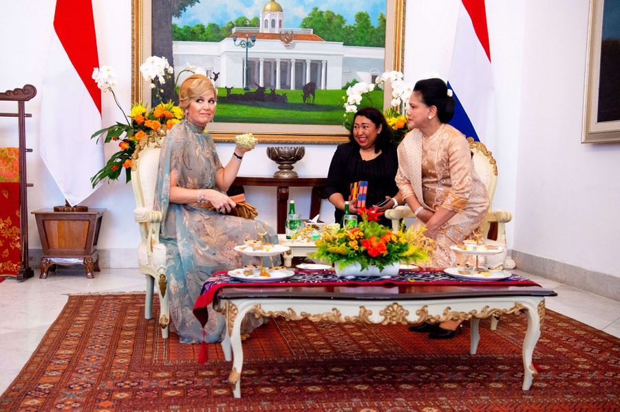La reine Maxima des Pays-Bas avec la First Lady d'Indonésie Iriana Widodo à Jakarta, le 10 mars 2020