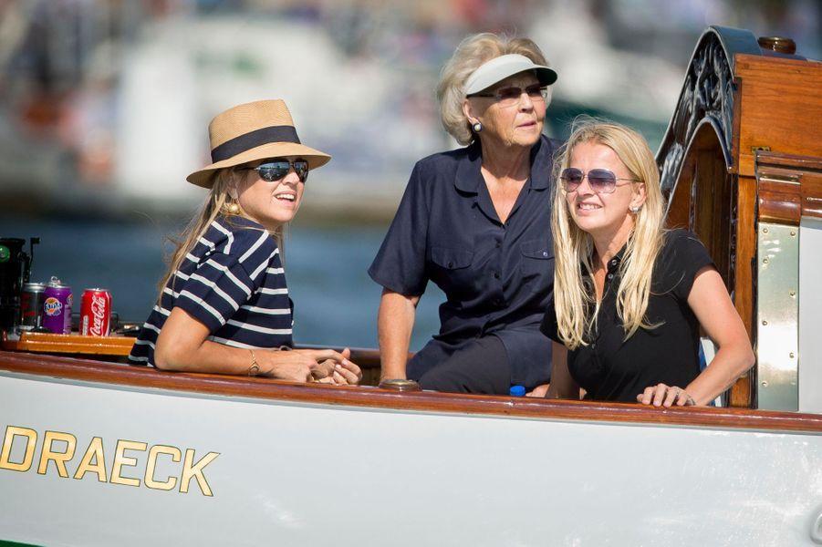 L'ex-reine Beatrix des Pays-Bas avec ses belles-filles la reine Maxima et la princesse Mabel au Sail Amsterdam, le 22 août 2015