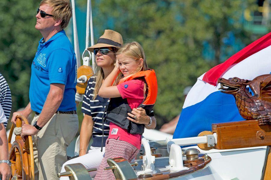 La reine Maxima et le roi Willem-Alexander des Pays-Bas avec la princesse Arine au Sail Amsterdam, le 22 août 2015