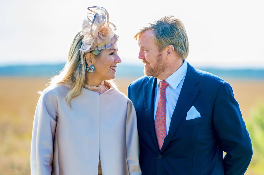 La reine Maxima et le roi Willem-Alexander des Pays-Bas dans le parc national Dwingelderveld, le 18 septembre 2019