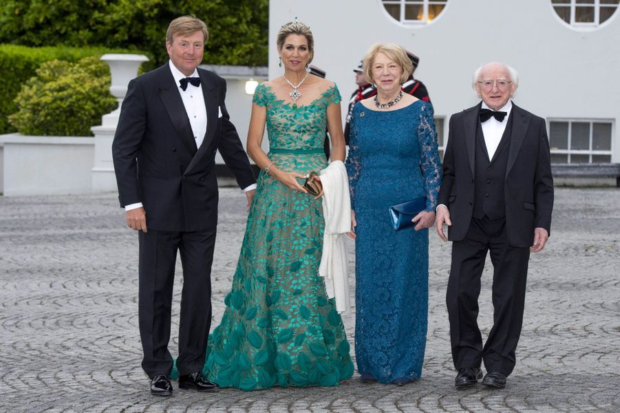 La reine Maxima et le roi Willem-Alexander des Pays-Bas avec le couple présidentiel irlandais à Dublin, le 12 juin 2019
