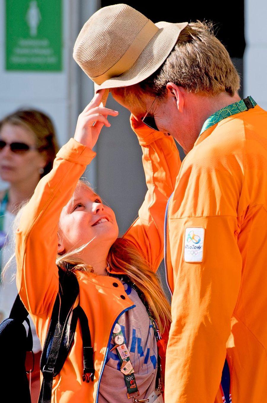 Le roi Willem-Alexander des Pays-Bas avec sa fille Ariane aux JO de Rio, le 19 août 2016
