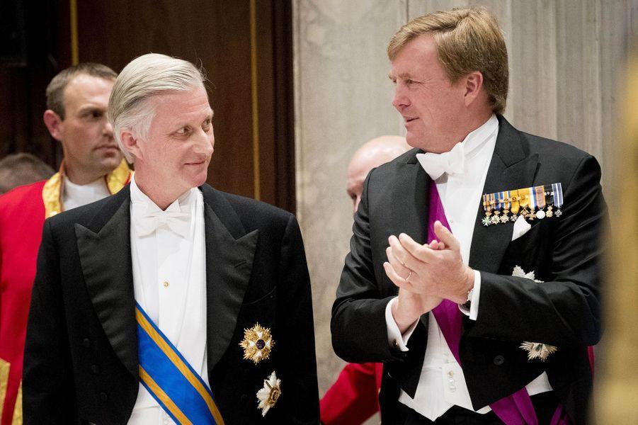 Les rois Philippe de Belgique et Willem-Alexander des Pays-Bas au Palais royal à Amsterdam, le 28 novembre 2016