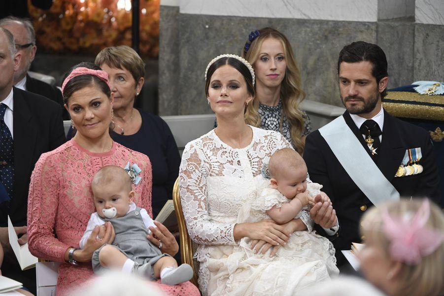 Les princesses Victoria et Sofia de Suède avec leurs fils les princes Oscar et Alexander à Stockholm, le 9 septembre 2016