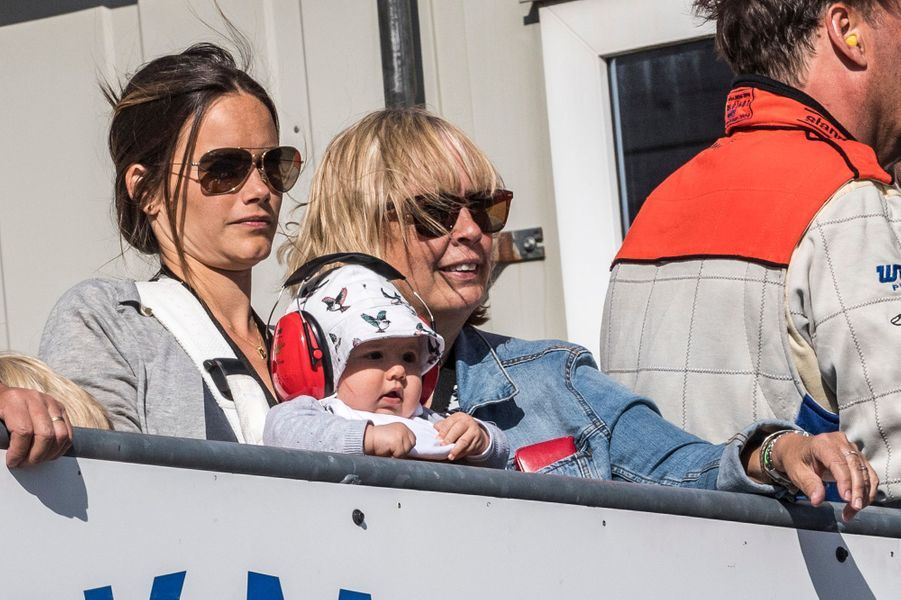 Le prince Alexander de Suède avec la princesse Sofia et Marie Hellqvist à Karlskoga, le 14 août 2016
