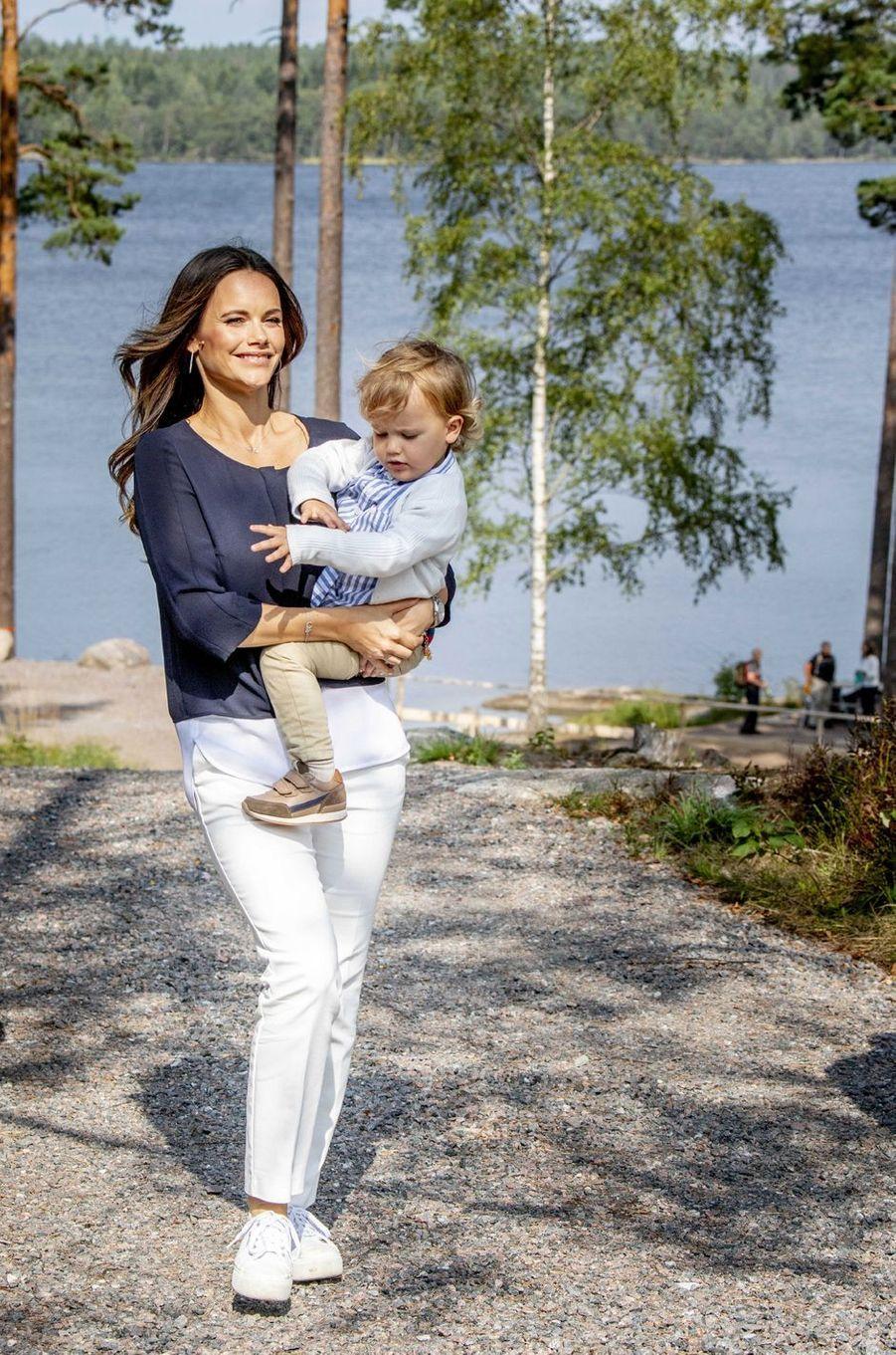 Le prince Alexander de Suède avec la princesse Sofia dans le Södermanland, le 23 août 2018