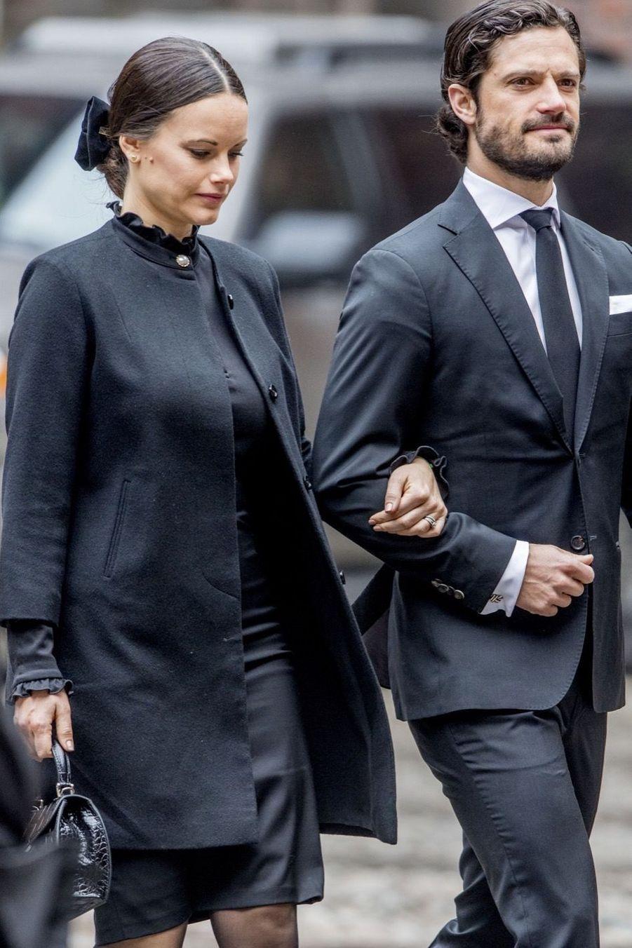 La Famille Royale De Suède Rend Hommage Aux Victimes De L'attentat De Stockholm 10