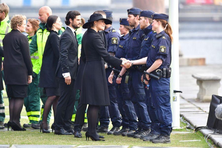 La Famille Royale De Suède Rend Hommage Aux Victimes De L'attentat De Stockholm 14