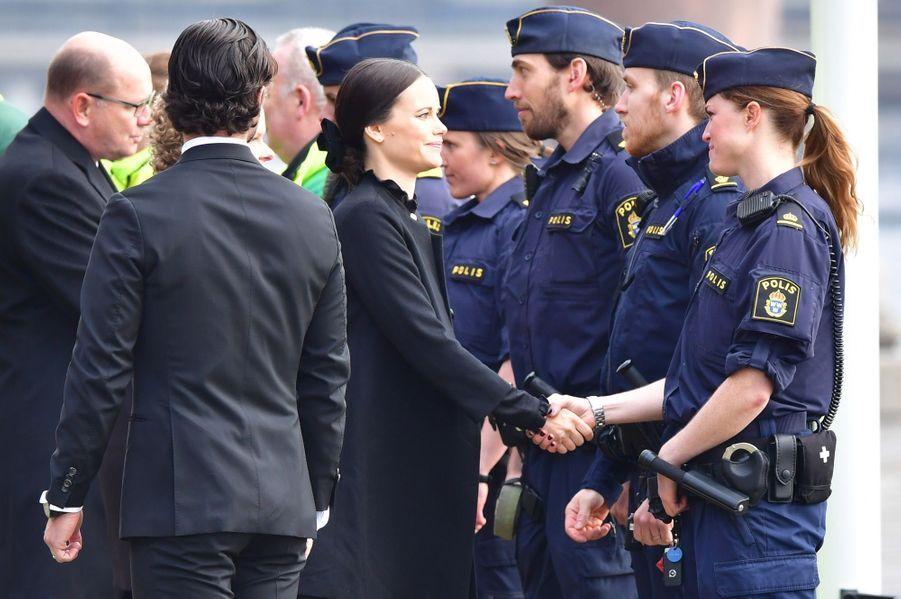 La Famille Royale De Suède Rend Hommage Aux Victimes De L'attentat De Stockholm 16
