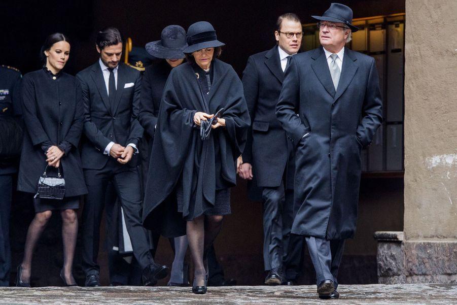 La Famille Royale De Suède Rend Hommage Aux Victimes De L'attentat De Stockholm 20