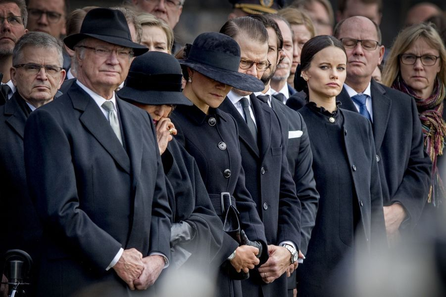La Famille Royale De Suède Rend Hommage Aux Victimes De L'attentat De Stockholm 3