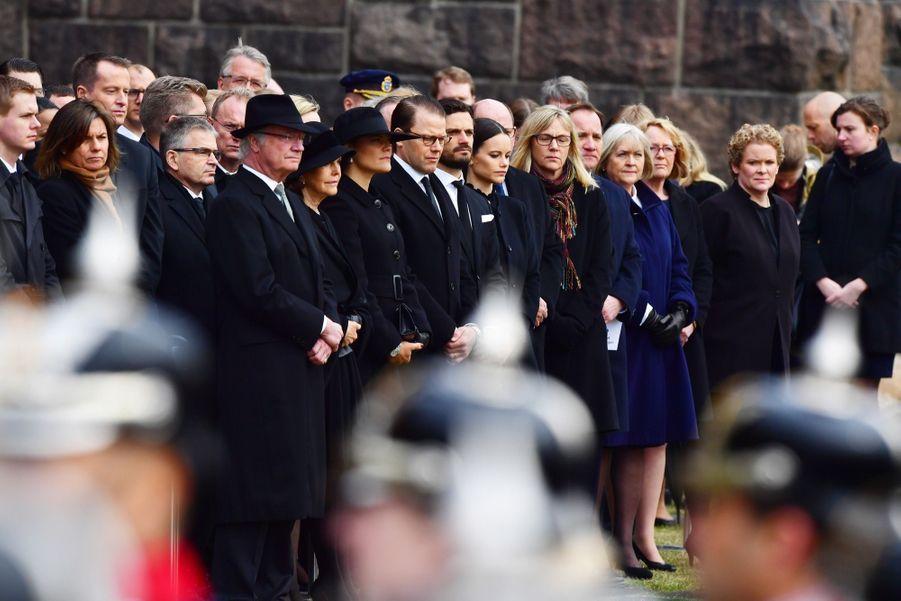 La Famille Royale De Suède Rend Hommage Aux Victimes De L'attentat De Stockholm 4