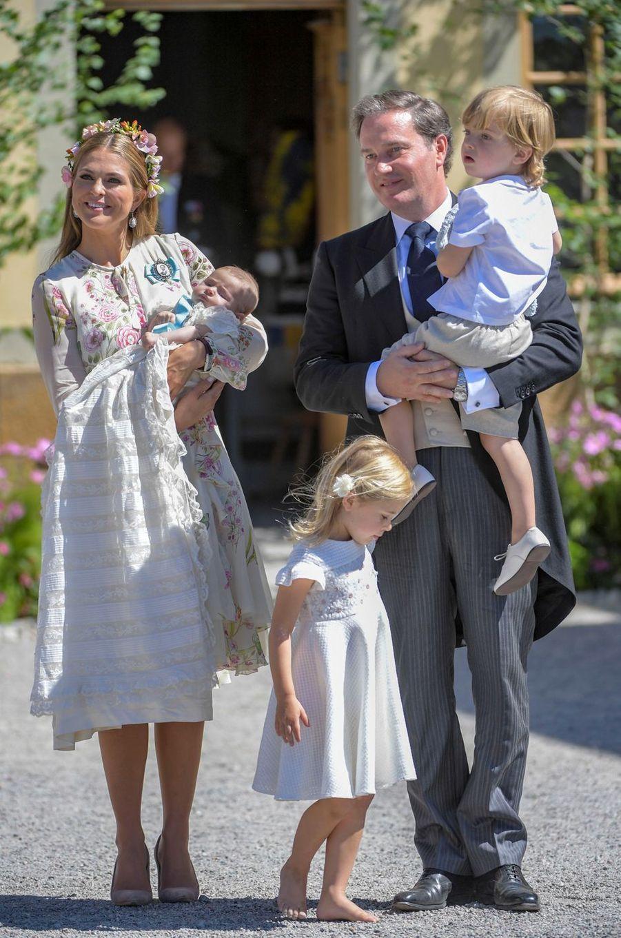 La princesse Madeleine de Suède et Christopher O'Neill avec leurs trois enfants à Stockholm, le 8 juin 2018