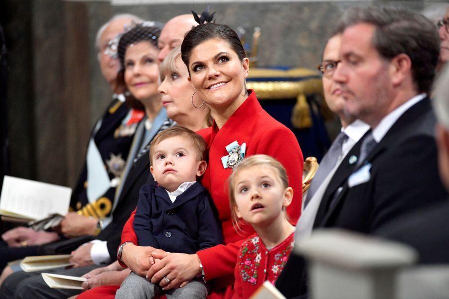 La princesse Victoria de Suède avec ses enfants et Christopher O'Neill à Stockholm, le 1er décembre 2017