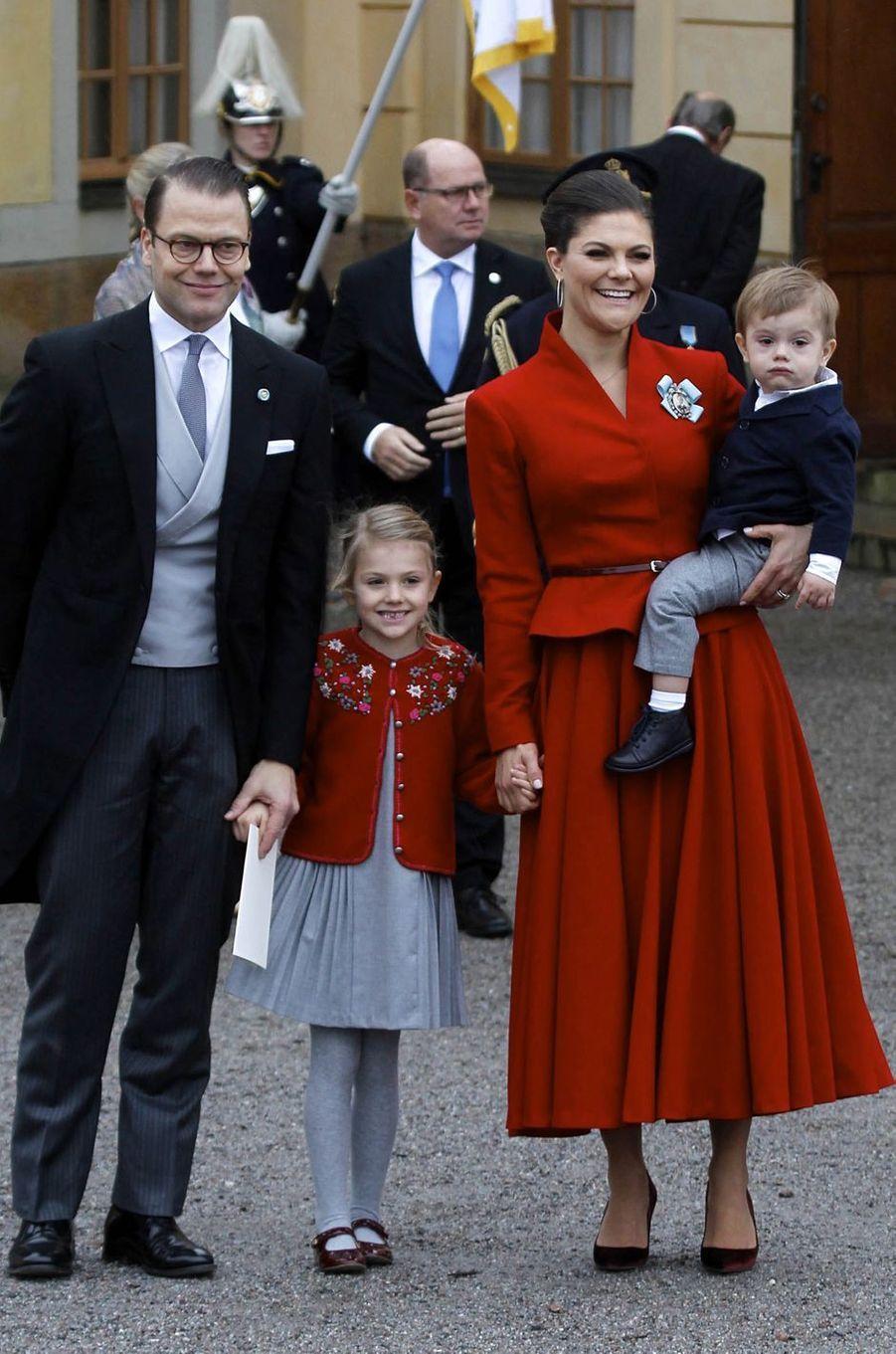 La princesse Victoria de Suède et le prince Daniel avec leurs enfants Estelle et Oscar à Stockholm, le 1er décembre 2017