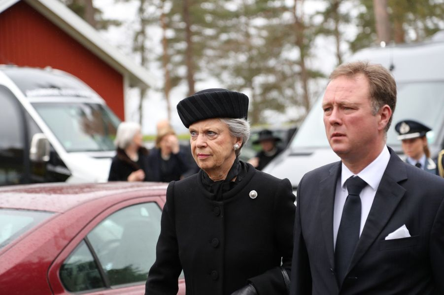 La princesse Benedikte de Danemark et son fils le prince Gustav de Sayn-Wittgenstein-Berleburg à Alingsas, le 11 mai 2017
