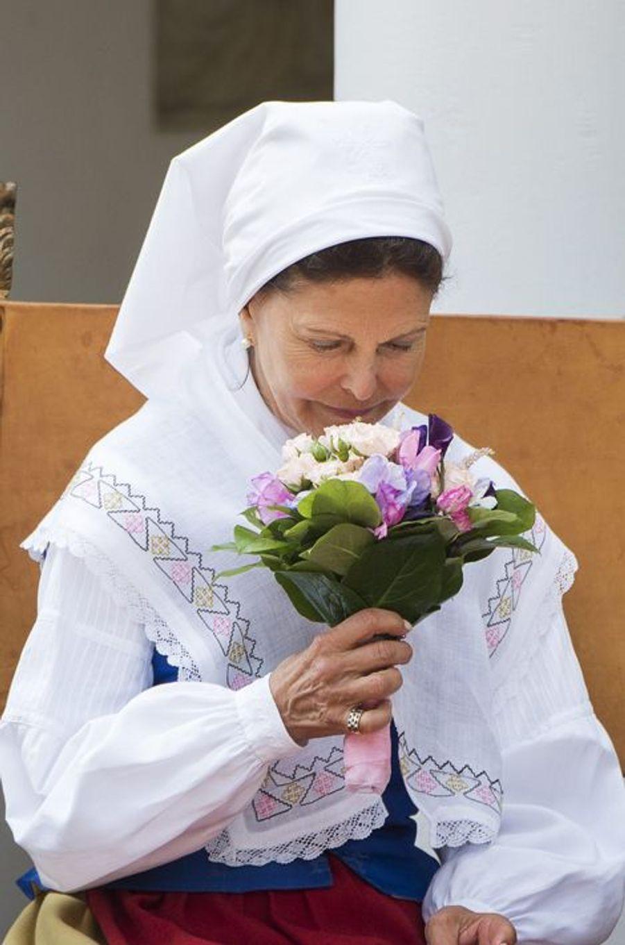 Silvia renoue avec la tradition sur l'île d'Öland