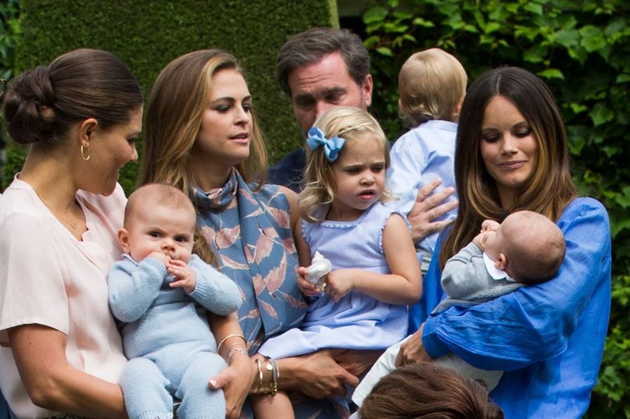 Les princesses Victoria, Madeleine et Sofia de Suède avec les princes Oscar et Alexander et la princesse Leonore, en juillet 2016