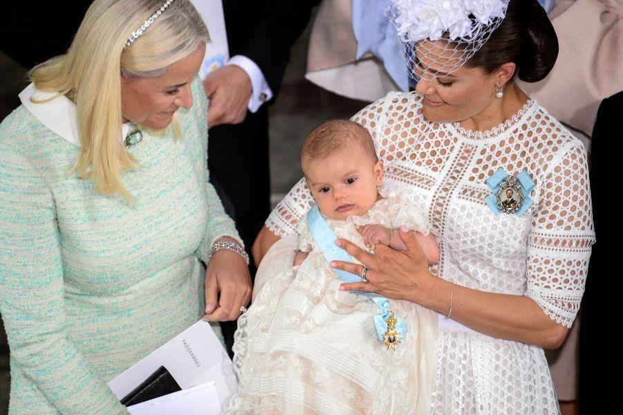 La princesse Victoria de Suède avec le prince Oscar et la princesse Mette-Marit de Norvège, le 27 mai 2016