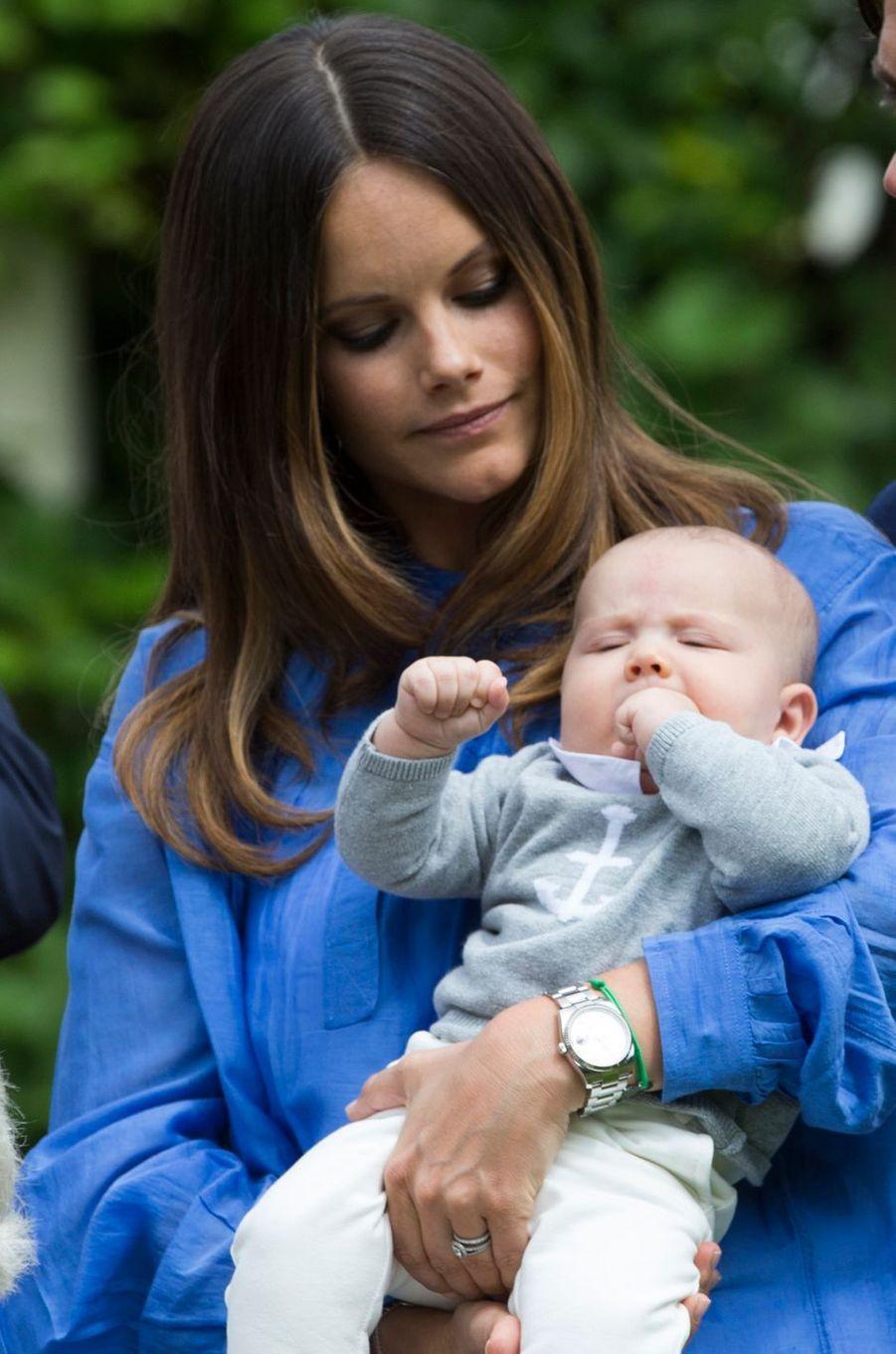 La princesse Sofia avec son fils le prince Alexander de Suède, le 19 juillet 2016