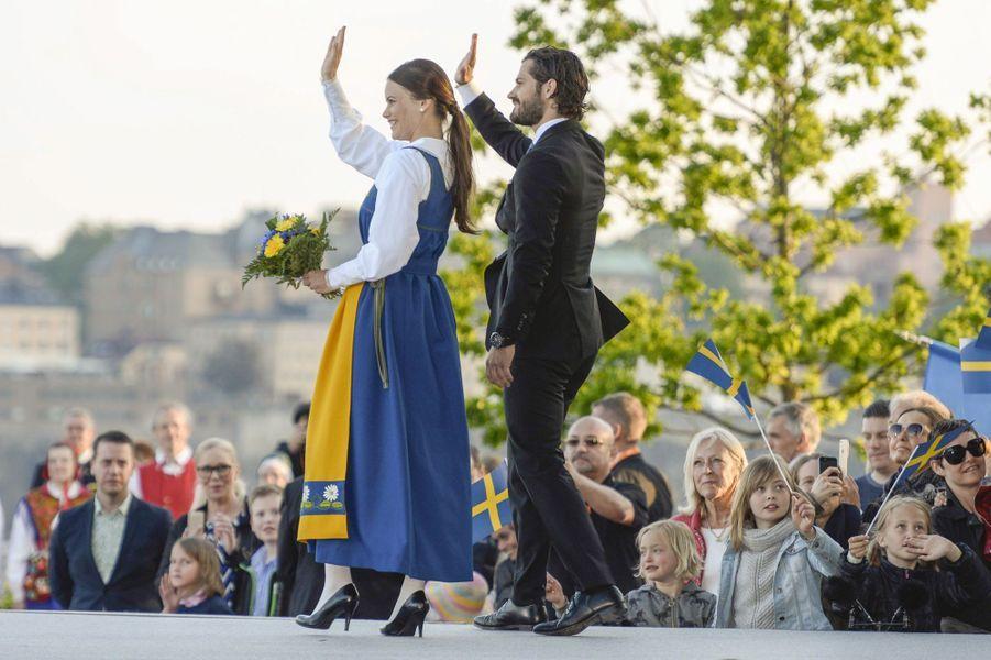 Sofia Hellqvist et le prince Carl Philip de Suède lors de la fête nationale, le 6 juin 2015