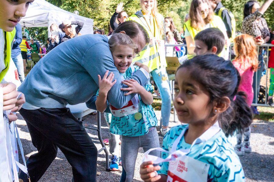 La princesse Estelle de Suède avec son papa le prince Daniel, à Solna le 16 septembre 2018