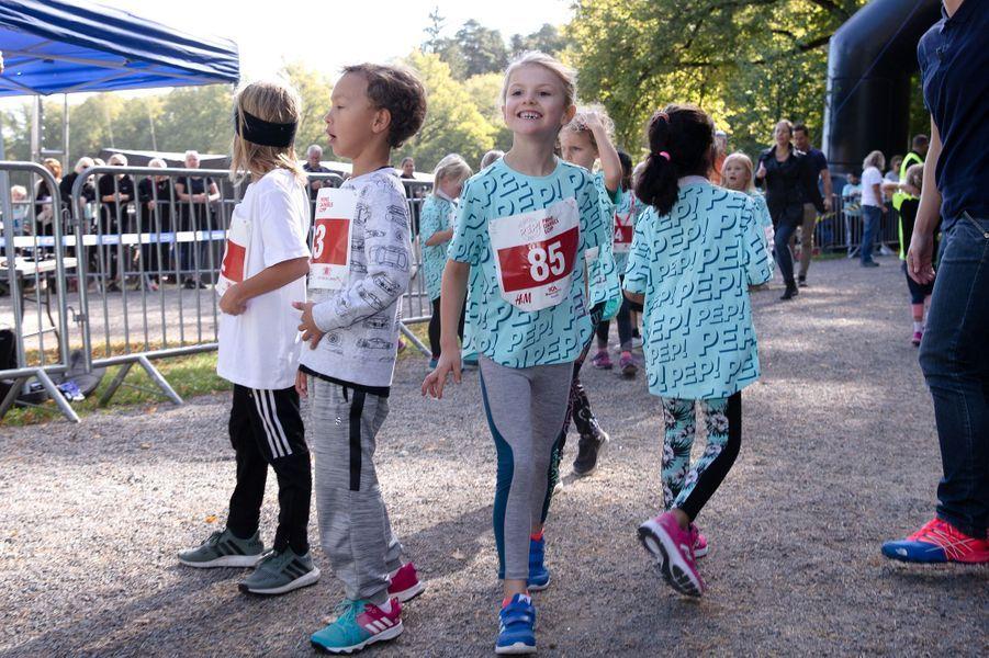 """La princesse Estelle de Suède pour sa première """" Prins Daniels lopp"""" à Solna, le 16 septembre 2018"""