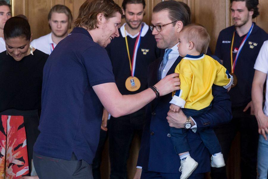 Les princes Daniel et Oscar de Suède à Stockholm, le 22 mai 2017