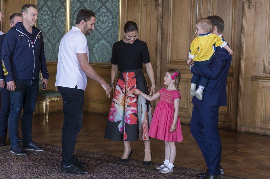 Les princesses Victoria et Estelle et les princes Daniel et Oscar de Suède à Stockholm, le 22 mai 2017