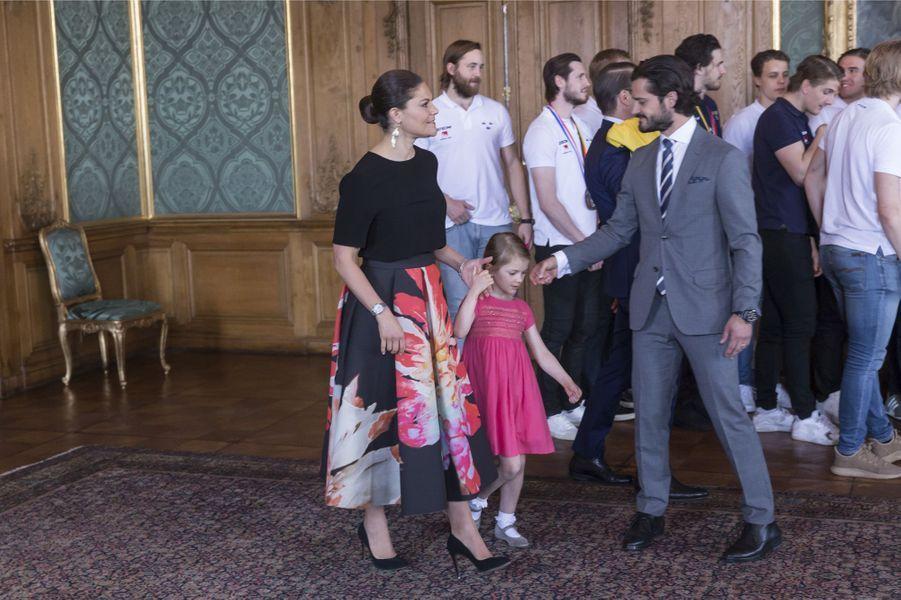 Les princesses Victoria et Estelle et le prince Carl Philip de Suède à Stockholm, le 22 mai 2017