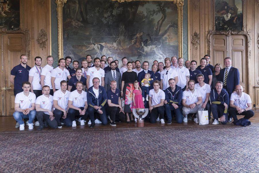 Les princesses Victoria et Estelle et les princes Daniel, Oscar et Carl Philip de Suède à Stockholm, le 22 mai 2017
