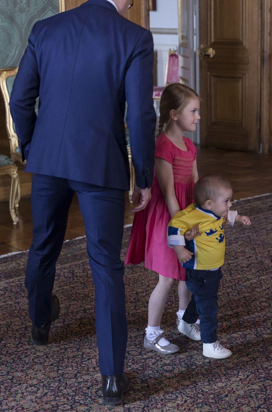 La princesse Estelle et le prince Oscar de Suède à Stockholm, le 22 mai 2017