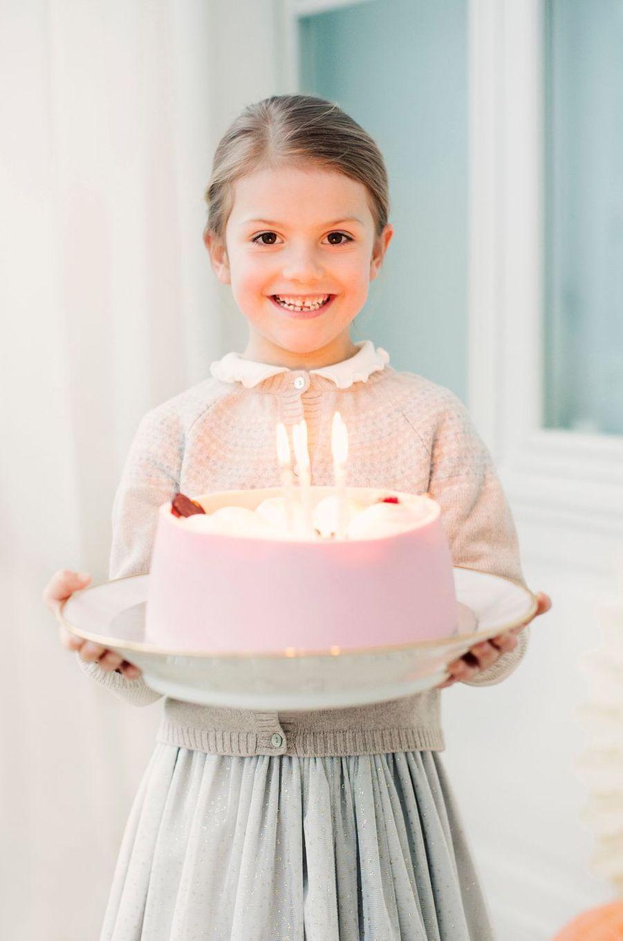 La princesse Estelle de Suède. Photo diffusée le 23 février 2018 pour ses 6 ans