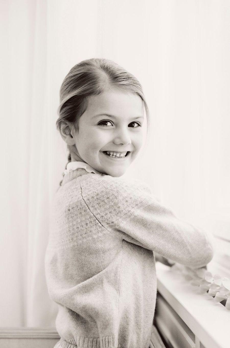 La princesse Estelle de Suède. Portrait diffusé le 23 février 2018 pour ses 6 ans