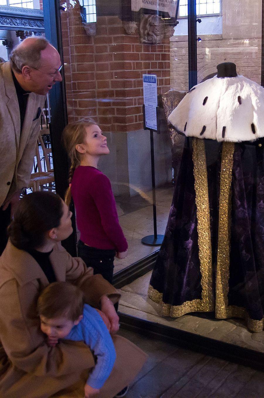 La princesse Victoria de Suède et ses enfants la princesse Estelle et le prince Oscar, le 22 février 2018