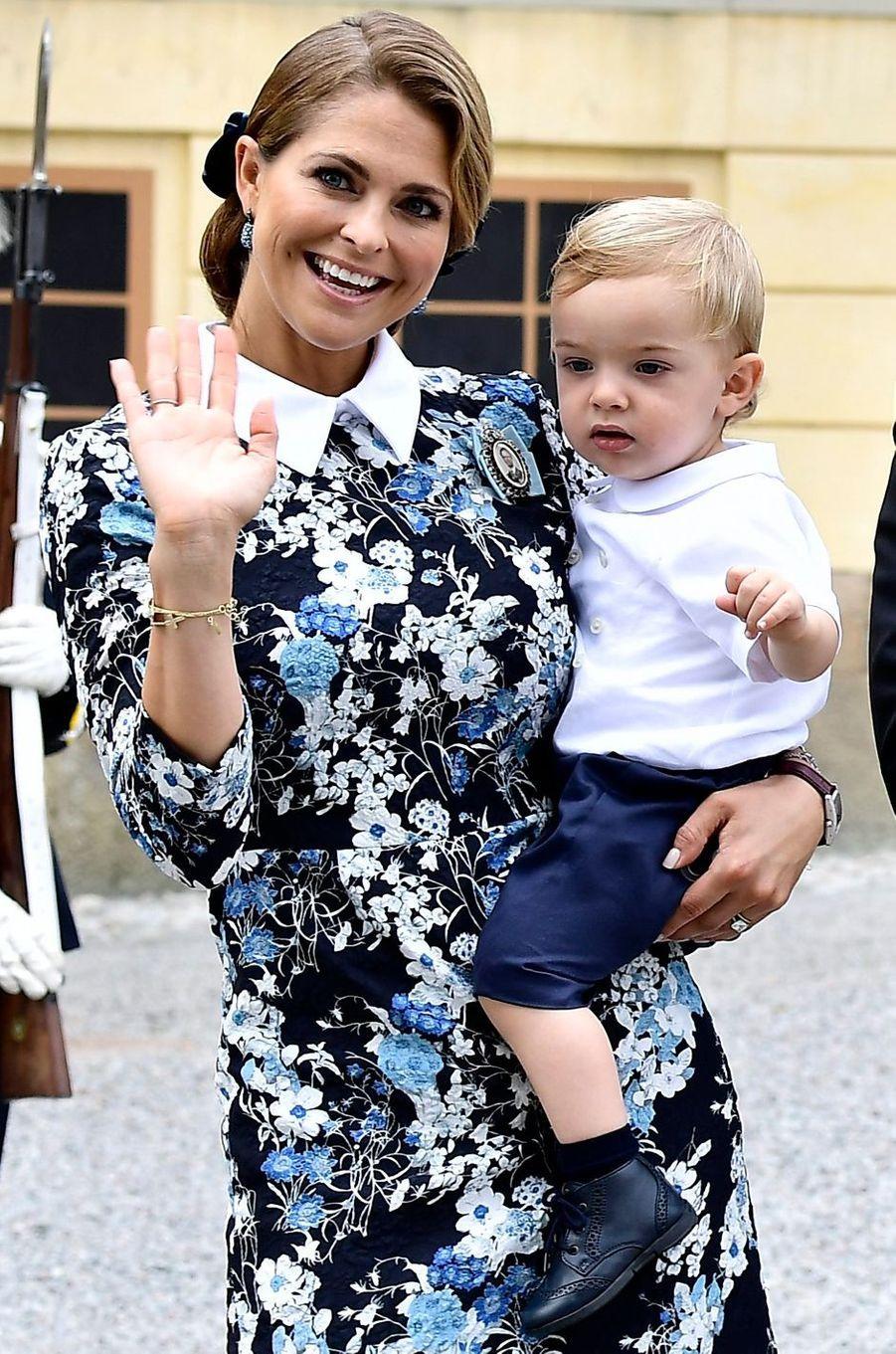 Le prince Oscar de Suède avec la princesse Madeleine à Stockholm, le 9 septembre 2016