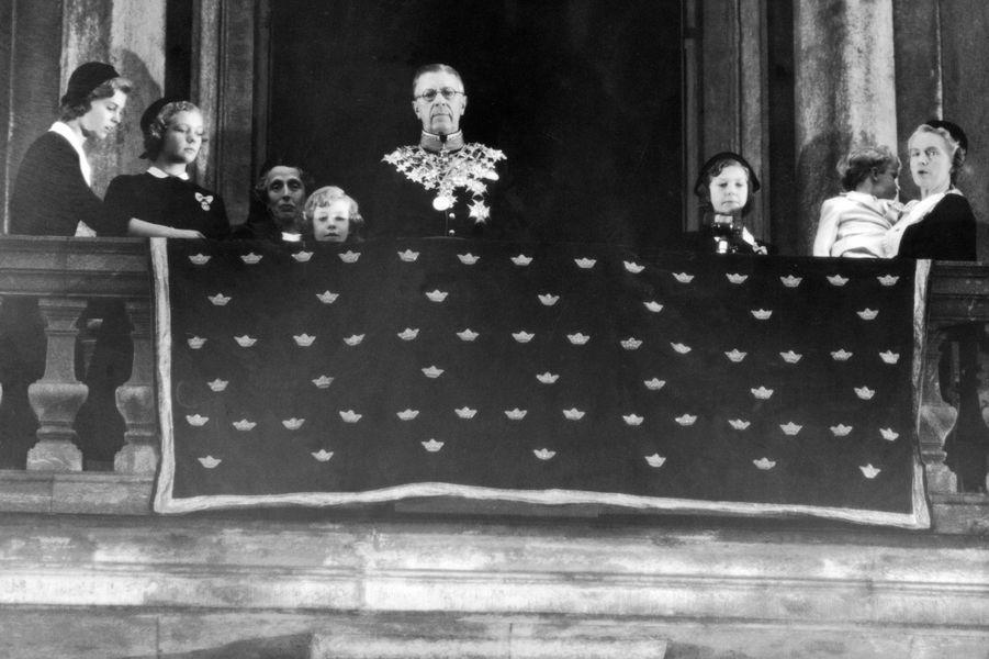Le roi Gustaf VI Adolf de Suède le jour de son couronnement, en octobre 1950