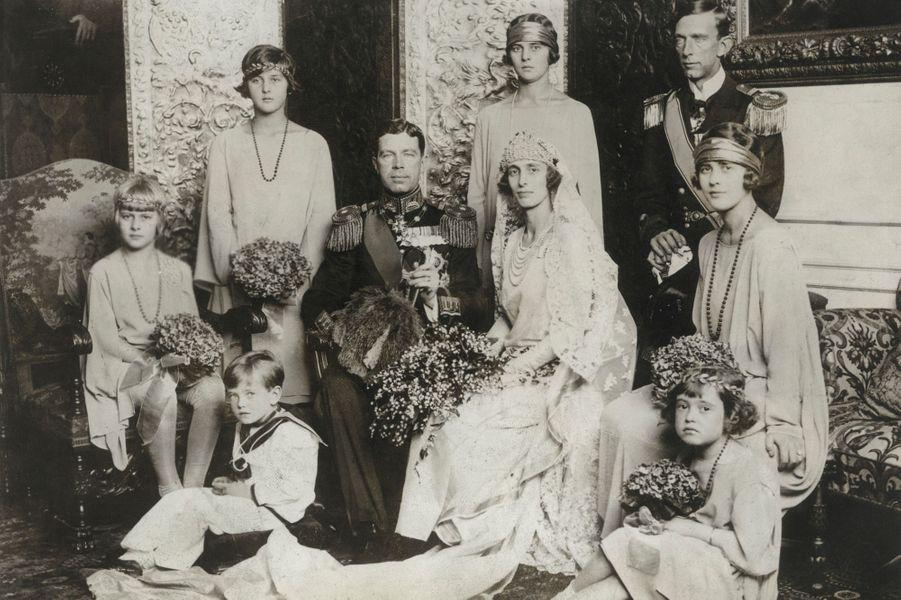 Le futur roi Gustaf VI Adolf de Suède lors de son mariage avec sa seconde femme Louise Mountbatten, en 1923