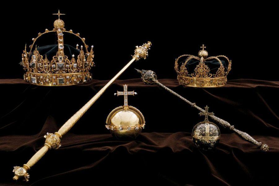 Le vol concerne deux couronnes et un orbe (un globe surmonté d'une croix) provenant des ornements funéraires de Charles IX, qui a régné sur la Suède et la Finlande de 1604 à 1611, et de son épouse la reine Christine.