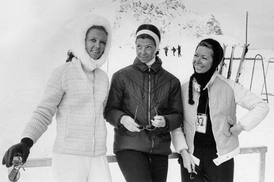 La princesse Birgitta de Suède (à gauche) avec ses soeurs Désirée et Christina, photo non datée