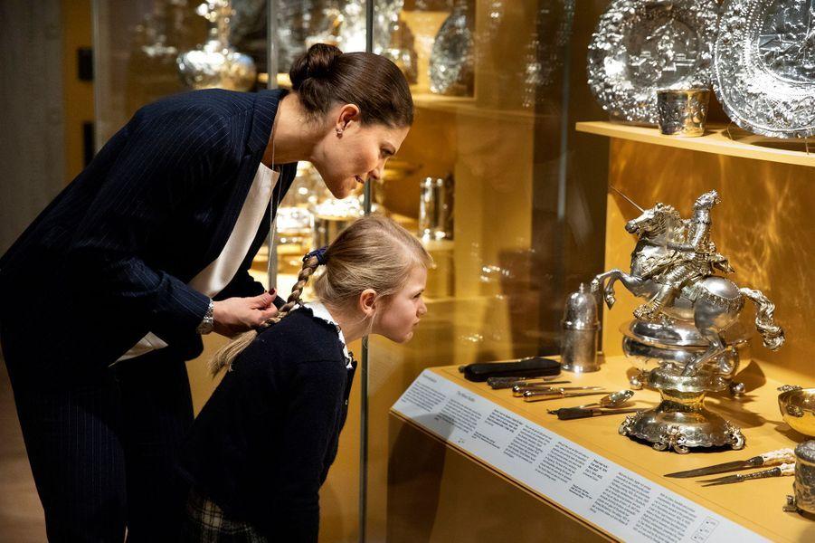 La princesse héritière Victoria de Suède et sa fille la princesse Estelle à Stockholm, en octobre 2018