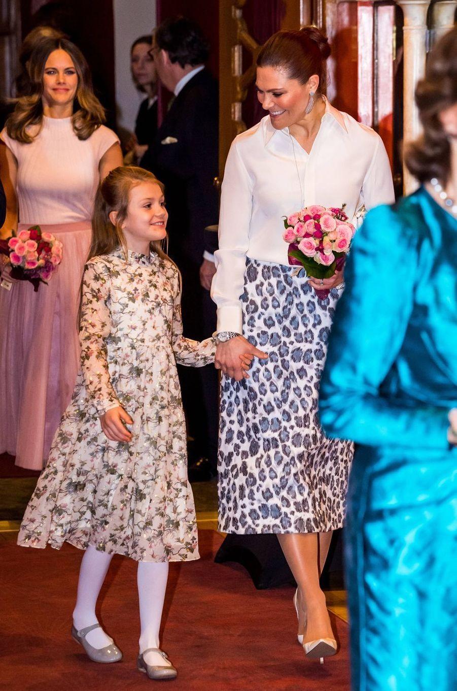 Les princesses Victoria et Estelle de Suède, suivies de la princesse Sofia, à Stockholm le 13 février 2020