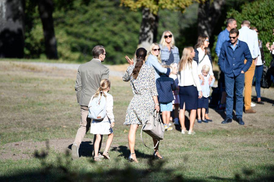 Les princesses Estelle et Victoria de Suède et le prince Daniel, à Stockholm le 21 août 2018