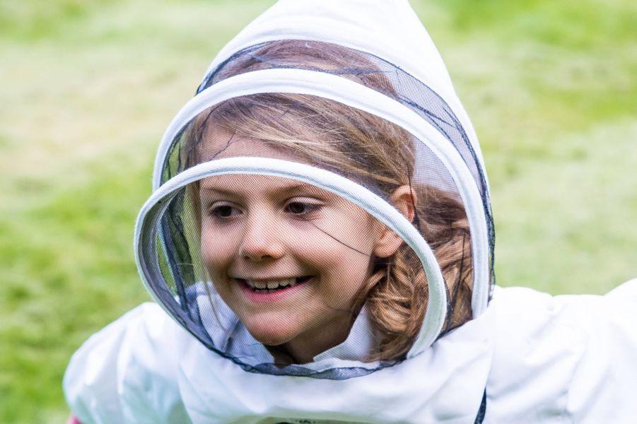 La princesse Estelle de Suède dans le parc de Haga à Solna, le 18 mai 2020