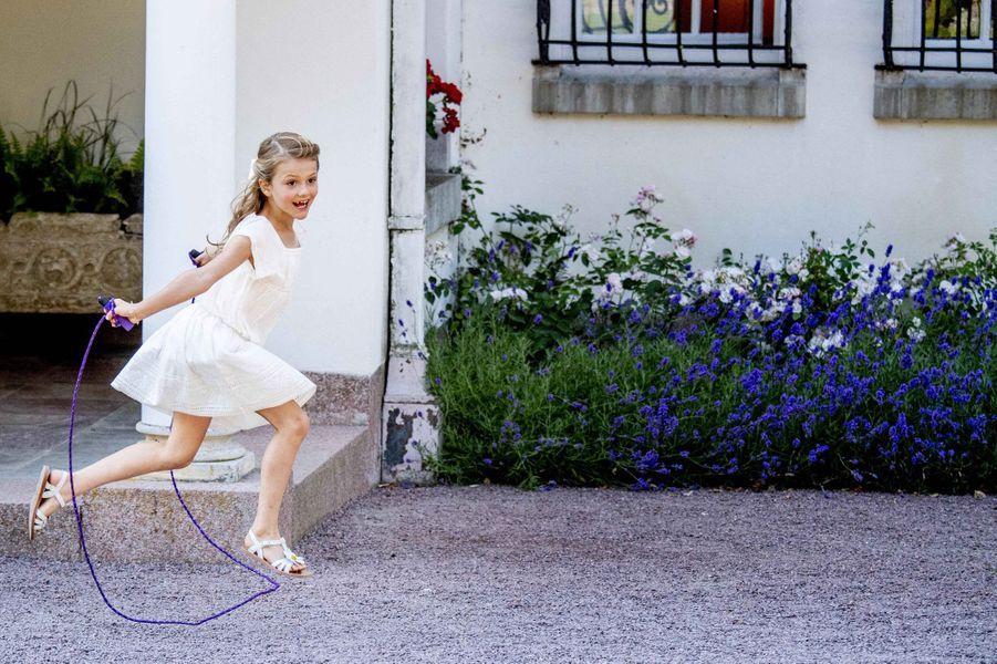 La princesse Estelle de Suède au château de Solliden sur l'île d'Öland, le 14 juillet 2019