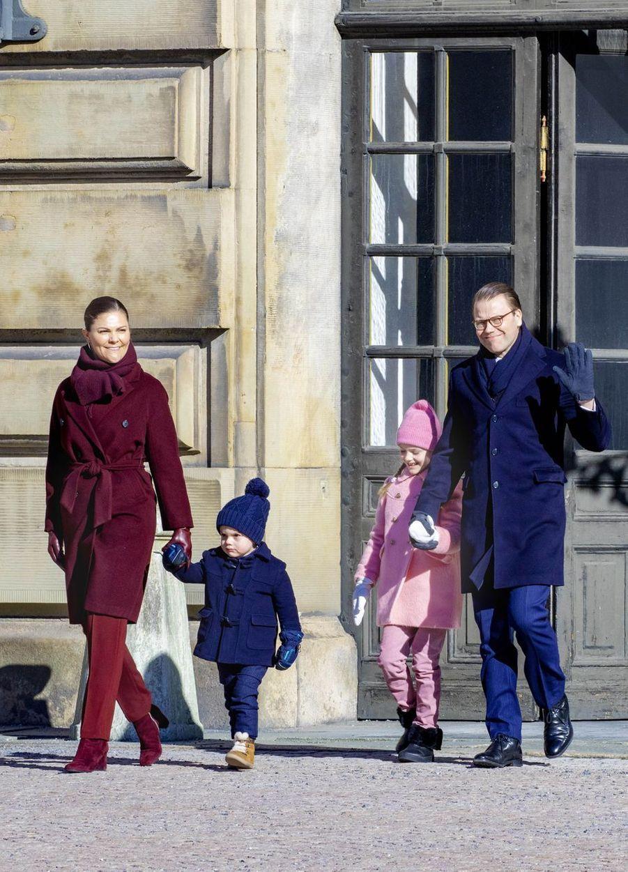 La princesse Victoria de Suède et le prince consort Daniel avec la princesse Estelle et le prince Oscar, à Stockholm le 12 mars 2019