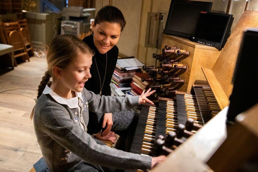 Les princesses Victoria et Estelle de Suède à Stockholm, le 17 février 2020